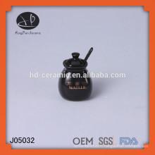 Pot à sel en céramique avec cuillère, petit pot de stockage en céramique vitré, bocaux d'assaisonnement noir