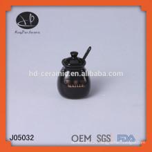 ceramic salt pot with spoon,small glazed ceramic storage jar,black seasoning jars