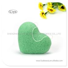 Vert doux visage éponge échantillon pur est disponible