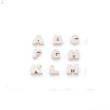 Meistverkaufte Alphabet Charms, Laser benutzerdefinierte Acryl Medaillon Charms, Brief Charms Großhandel