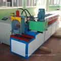 Équipement de traitement en métal de porte de volet roulant / panneau ignifuge de panneau de porte de volet formant la machine avec la presse de poinçon