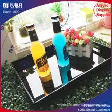 Hôtel desservant un plateau en acrylique avec poignées