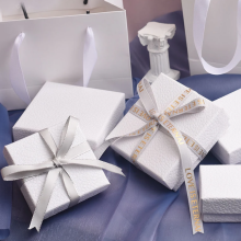 Caixa de presente de conjunto de joias de textura branca