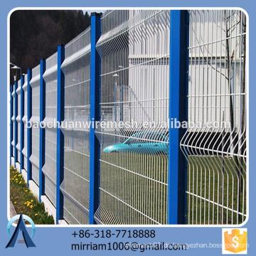 Heißer Verkauf neuer Entwurfsqualitäts spezieller pvc beschichtete Gartenzaundreieck, der Zaun bördelt