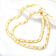 Fashion Women Jewelry Heart Design Hoop Earrings with 18K Real Gold Plated