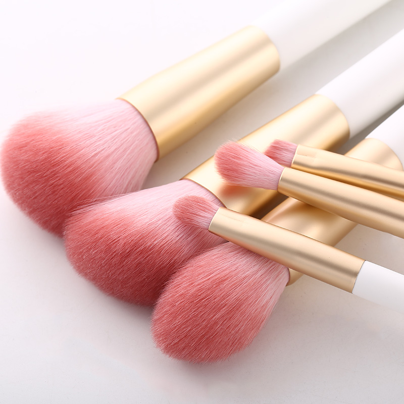 cosmetic beauty tools