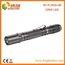 OEM de la fuente de la fábrica El nuevo CREE brillante 2AA de la célula 2AA funcionó con alambre portable del metal 3watt Cree de aluminio con el clip