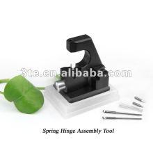 Оптический инструмент для сборки сборок с пружинным шарниром