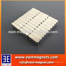 Pequeño imán del ndfeb de la barra / pequeña capa cuboid del imán del neodimio con el níquel / imán fuerte para las cajas del embalaje y del regalo