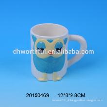 Fábrica de atacado direto personalizado cerâmica coruja caneca com alça