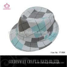 Koreanische Art- und Weisesommer verzieren Fedora-Hüte