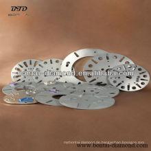 Schnellwechseladapter für unterschiedliche Schleifmaschinen in unterschiedlicher Größe