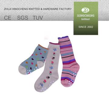 100% algodón calcetines calcetines de invierno gruesa calcetines coloridos calcetines baratos acogedores led calcetines de Navidad luces