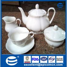 Set de té de hueso de cerámica de color blanco puro con 17pcs