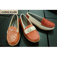 Bulk wholesale 2015 fancy women suede embroidered custom loafers
