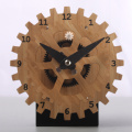 Horloge de table en bambou