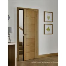 Porta interior de carvalho natural com listras horizontais