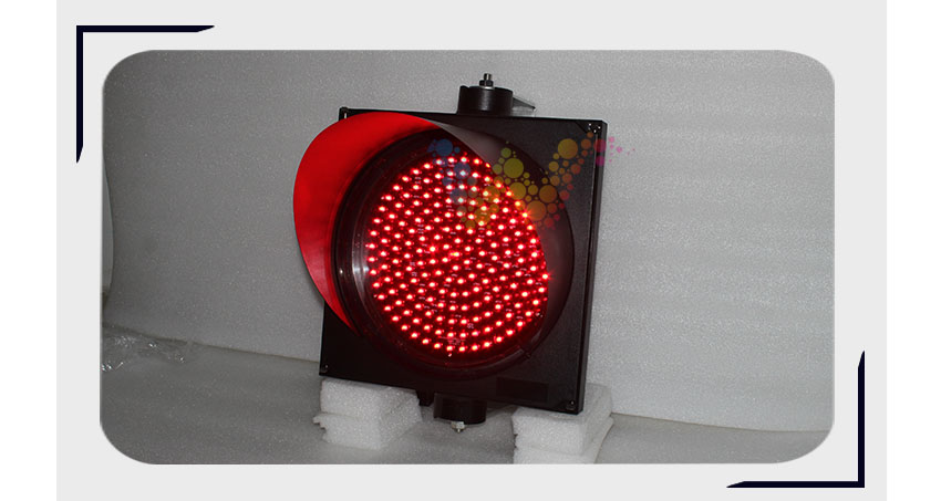 red traffic light-06