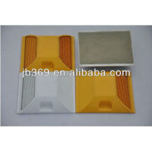Reflective Plastic Road Stud for Roadway Safety