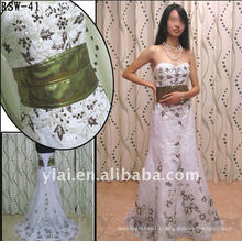 RSW-41 YIAI Popular Factory Outlet Customed Beautiful Emboridery And Bead Shiny Gold Sash Ladies Fashion Wedding dress