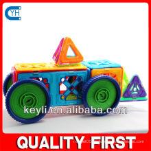 Bauen Sie sich Plastik Auto Spielzeug