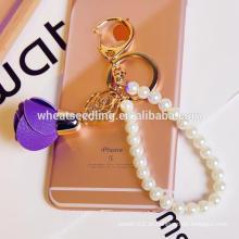 Stock Perle Blume Großhandel fancy billig benutzerdefinierte Schlüsselanhänger