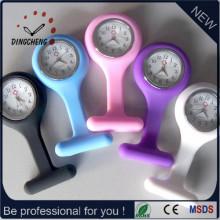China Großhandelsfertigung preiswerter kundenspezifischer Firmenzeichen-Quarz-Silikon-Gummibügel-Krankenschwester-medizinische Uhr (DC-182)