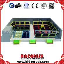 Großer Indoor Gymnastischer Trampoline Park