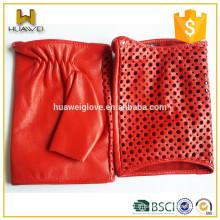 Gants rouges classiques en peau d'agneau doux Femmes Gants de conduite en cuir sans doigts