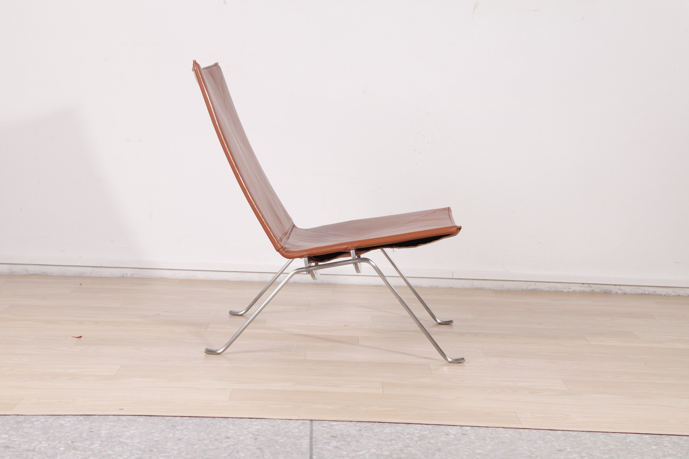Poul Kjaerholm PK22 chair replica