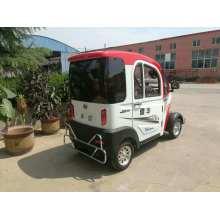Véhicule électrique à basse vitesse avec protection de sécurité