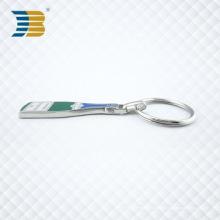 Llavero de encargo del metal de la forma de la botella del esmalte duro de plata al por mayor barato