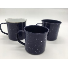 Кофейная чашка с крапчатой эмалью
