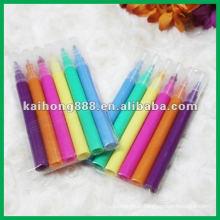 L'eau couleur stylo serti de différentes couleurs