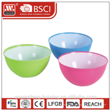 Plastic salad bowl with tone color