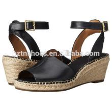 Senhoras moda PU couro Buckle Strap Wedge Sapatos