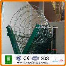 High quality razor wire mesh fence/galvanized wire mesh fence/pvc coated razor barbed wire