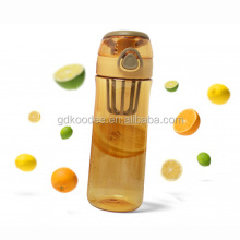 New High Quality BPA FREE 500ML Tritan Plastic Fruit Infuser water Water Bottle with Insufer and Press Lid