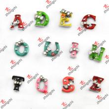 Colorful Enamel 26 Lettres Slider Charms pour Bijoux DIY (SC163)