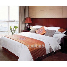 oreiller de broderie décorative à chaud