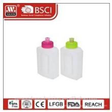 пластиковая бутылка воды 0,5 Л