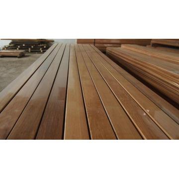 Smooth Finish Red Cedar Wood Wall Cladding