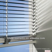 Durable aluminium venetian blind with various sizes
