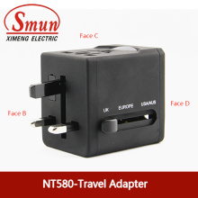 Adaptador universal del enchufe del recorrido con USB0.5A 2.1A CE RoHS 1 año de garantía