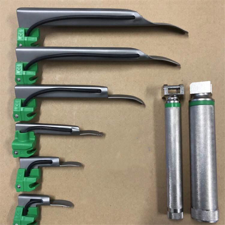 Disposable optical fiber metal blade