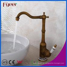 Nuevo grifo antiguo del mezclador de agua del contador de cuarto de baño del grifo del lavabo de cobre amarillo