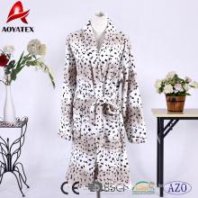 Alibaba wholesale animal pattern flannel fleece leopard print women bathrobe