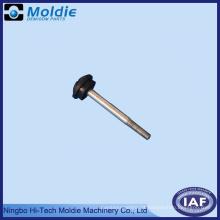 Tampas de extremidade de plástico e processo de co-injeção de peças de aço