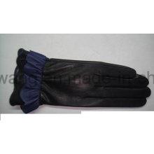 Forme a señora Warm los guantes / las manoplas de cuero