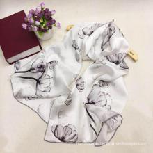 Bufandas populares de seda de satén floral Mujeres